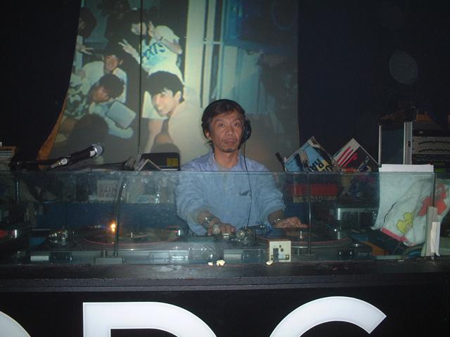 Back To The 80'東亜vol.7 / No.069