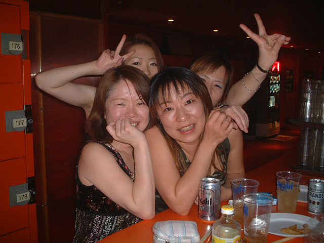 Back To The 80'東亜vol.10 / No.027