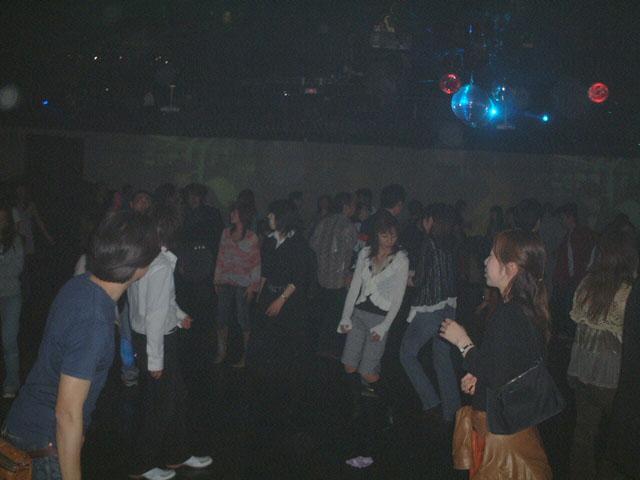 Back To The 80'東亜vol.10 / No.126